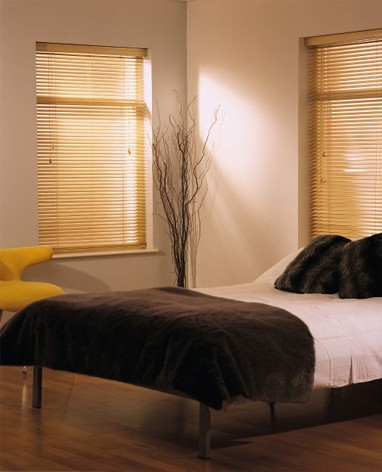 Insulating your home with wood venetian blinds
